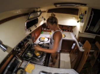 Lilly has an internal gimbal in the galley and prepares delicious vegetarian feasts regardless of the weather