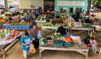 The Neiafu Market in Va'Vau offers a cornucopia of fresh fruits and vegetables