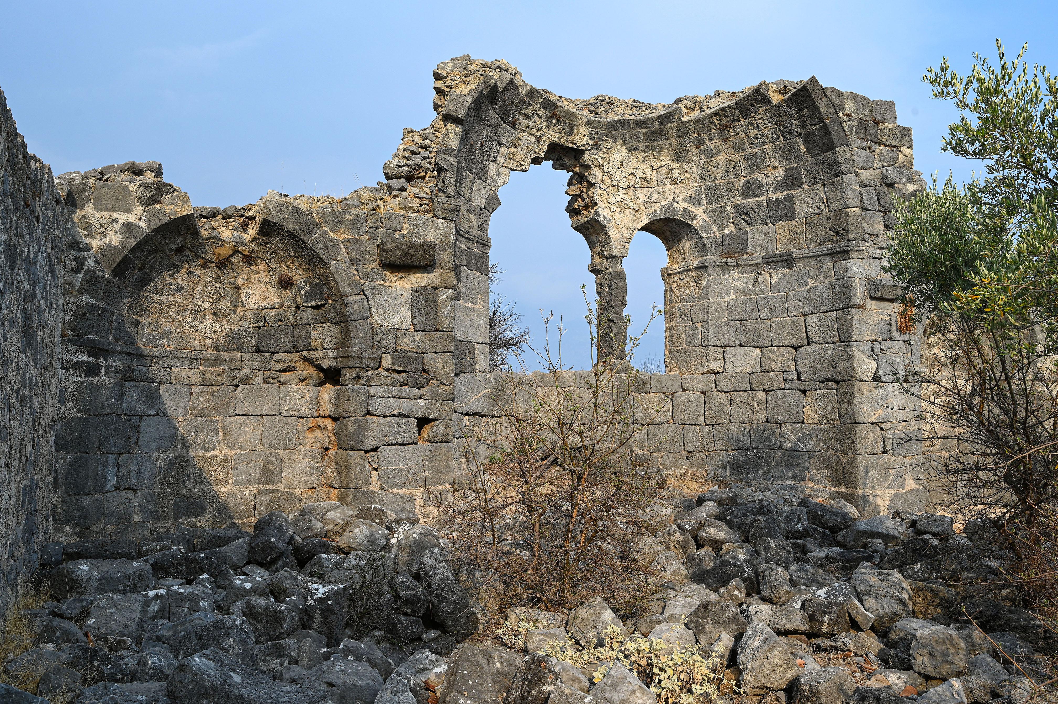 Bascilia Ruins.sm