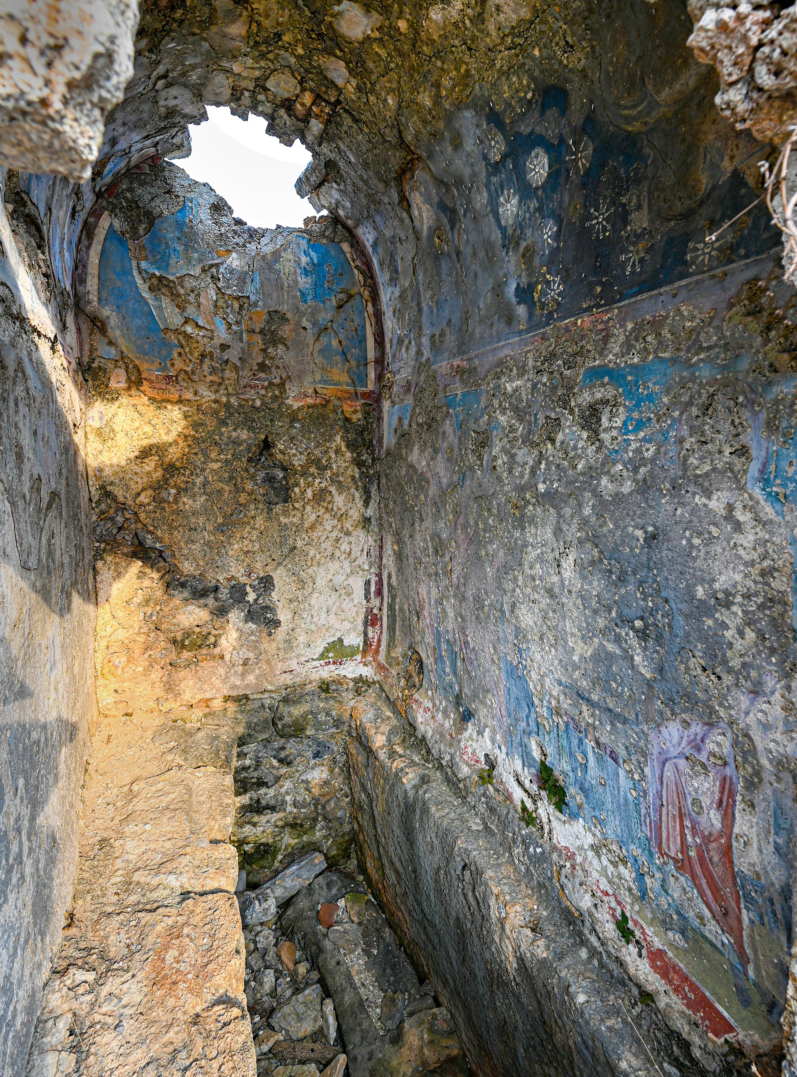 tomb2.sm_