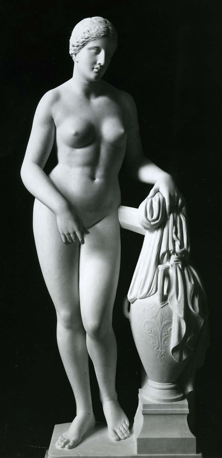 Aphrodite-of-Cnidus-statue-Roman-Praxiteles-Greek